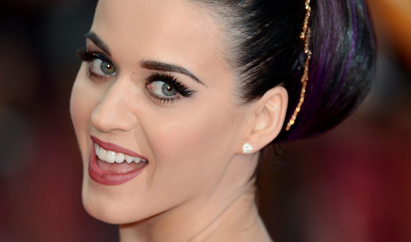 Katy Perry Wear Hera's Eyelash Extensions